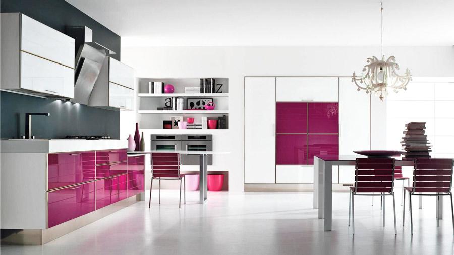 Сочетание цветов с лиловым в интерьере кухни фото
