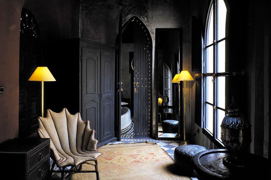 Дизайн интерьера в темном цвете