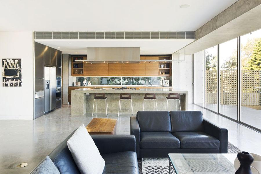 Простой дизайн интерьера в совмещенной гостиной