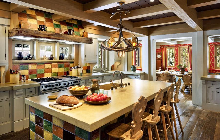 Вольная трактовка стиля шале на кухне